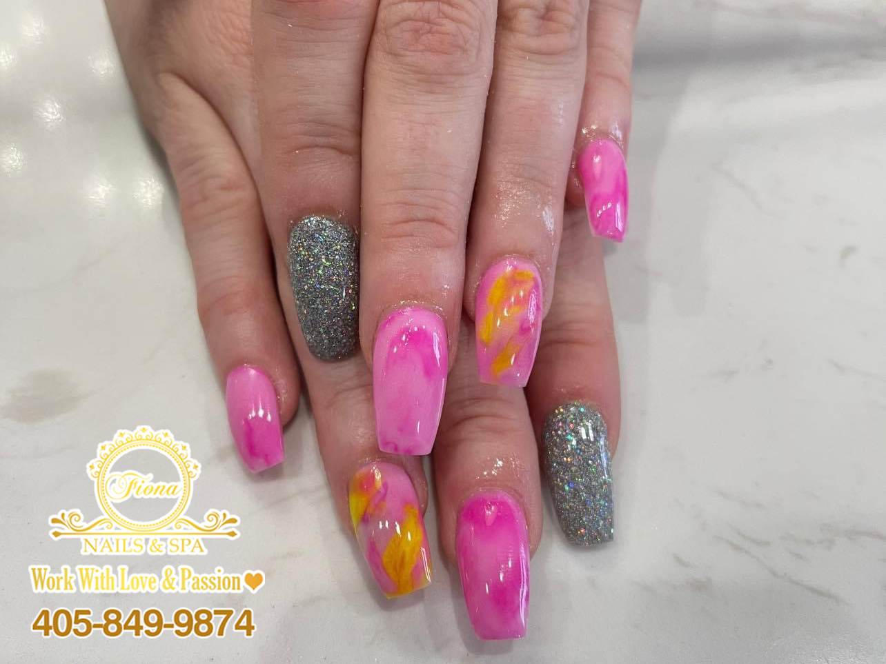 Are you searching for nails? Then this nail design idea is for you!